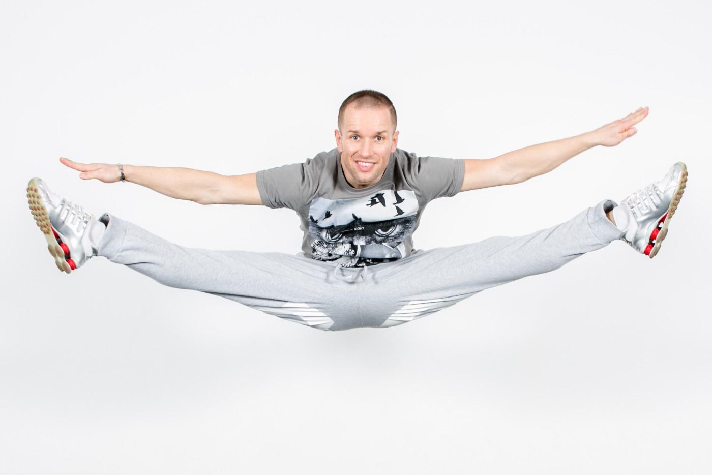 Bezpłatne zajęcia z akrobatyki z Arturem Cieciórskim